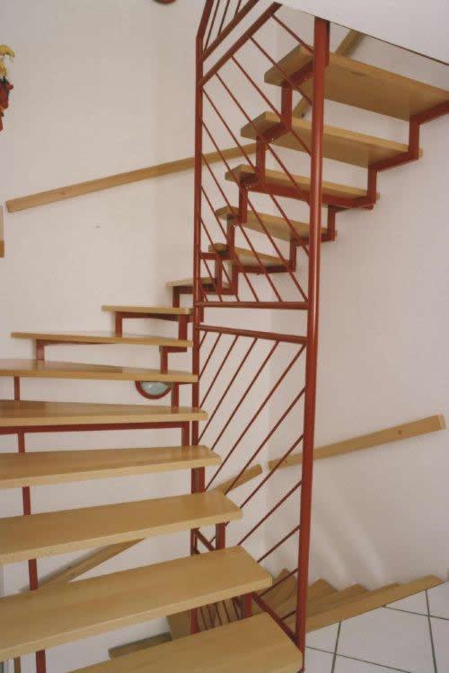 treppen selber bauen treppen selber bauen fotos das sieht sch ne stilevero treppen garten. Black Bedroom Furniture Sets. Home Design Ideas