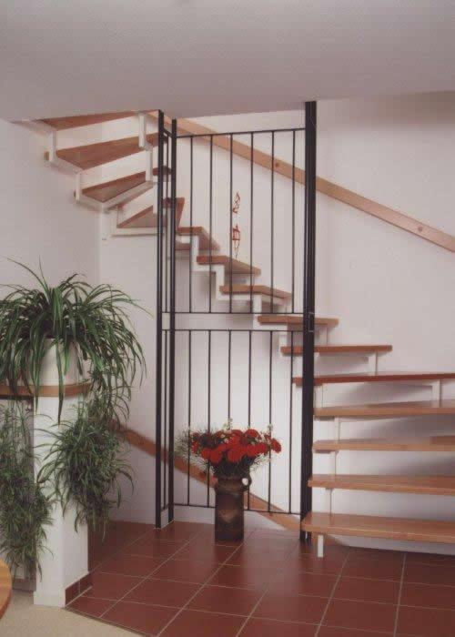 Treppengeländer Holz Streichen Welche Farbe ~ Harfe Vierkant