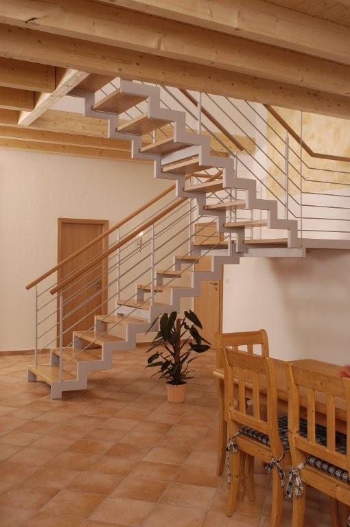 treppe design lackieren. Black Bedroom Furniture Sets. Home Design Ideas